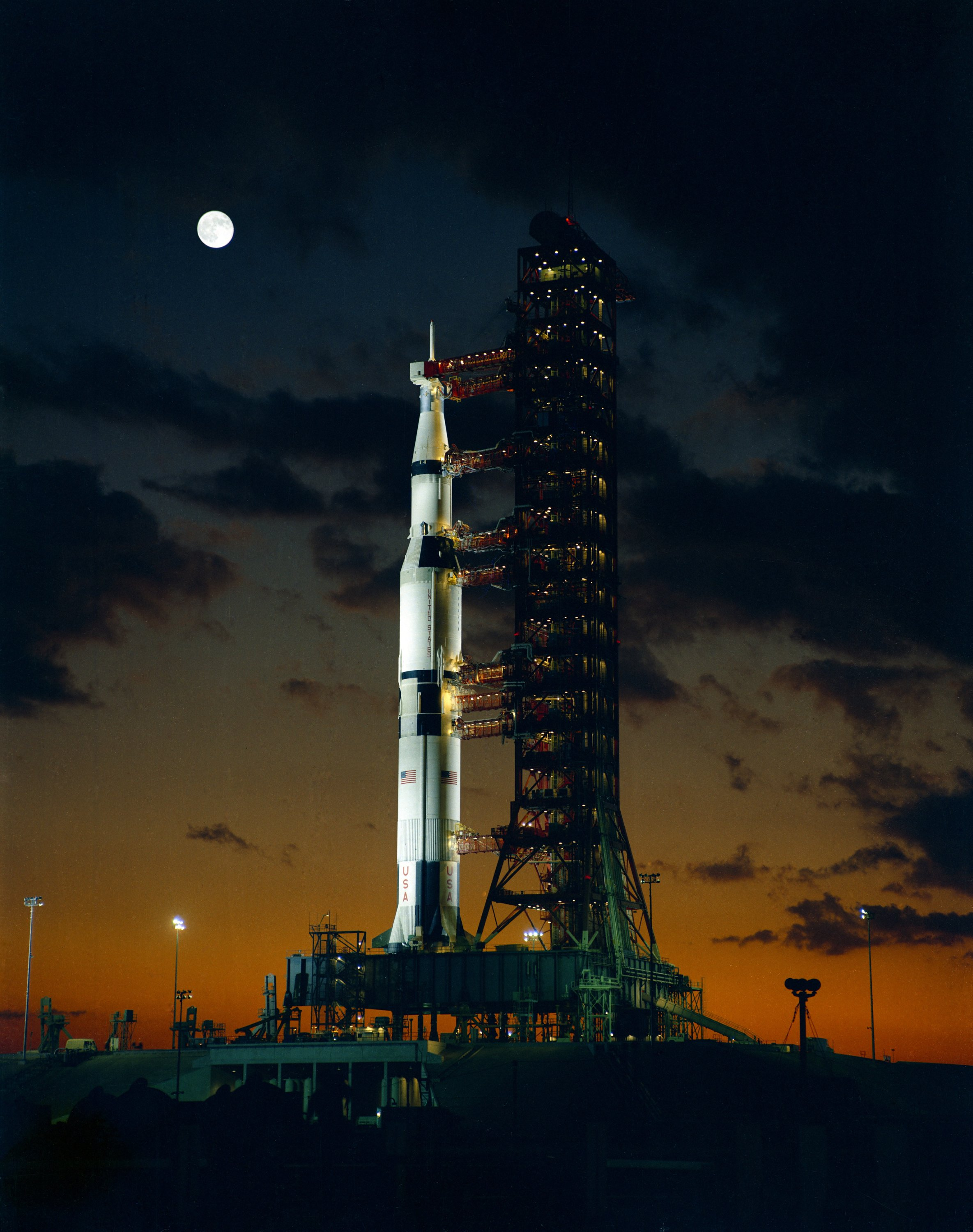 Saturn V Apollo 4 prel...